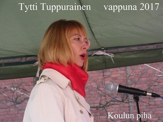 TyttiTuppurainenKoulunpiha2070501
