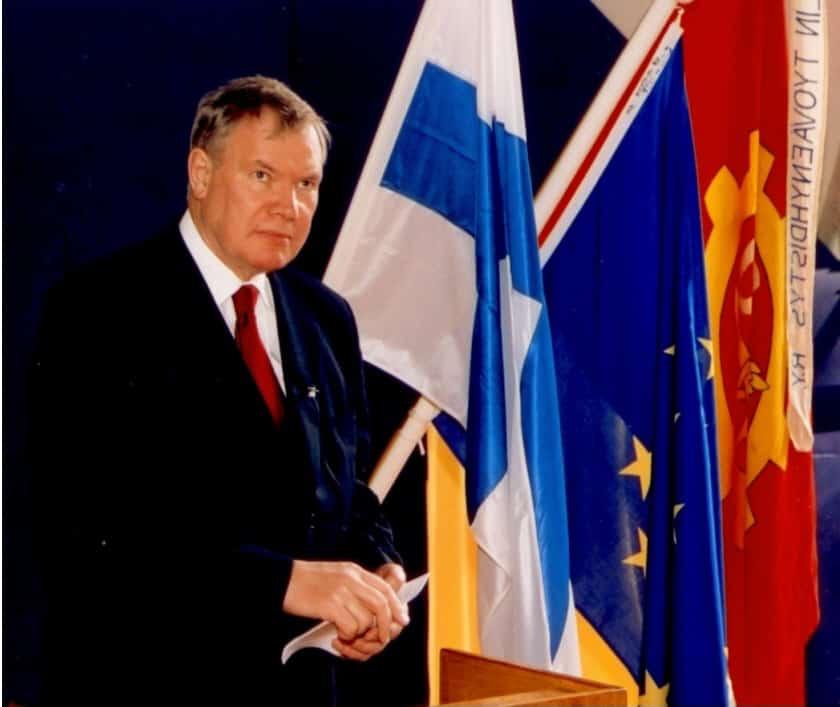 Paavo Lipponen 2004 NTY 110 v